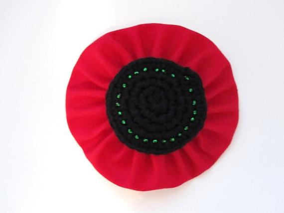 Handmade Poppy Brooch. Black Red Flower Brooch. Crochet Brooch. Fabric Beads Brooch. Wedding Favour. Artisan Flower Pin. Vegan Brooch.