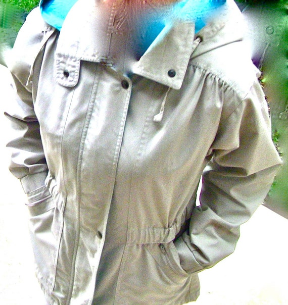Womens Hooded London Fog taupe and aqua Medium length Trench FREE US SHIPPING