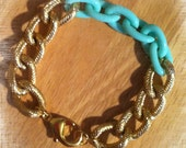 The CARRIE Limited Edition Textured Gold Chain Bracelet With A Hint of Mint Green Resin Chain