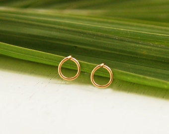 Circle stus earrings, gold stud earrings, gold circle earrings,  geometric earrings, gold stud earrings, everyday earrings, charm earrings