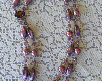 mauve vintage glass& pearl necklace