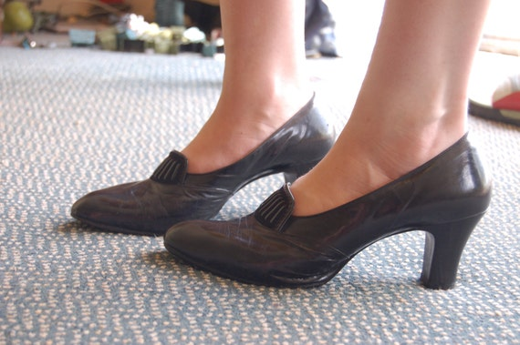 Witchy black shoes