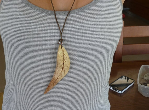 Attractive Handcarved Wooden Leaf  Pendant