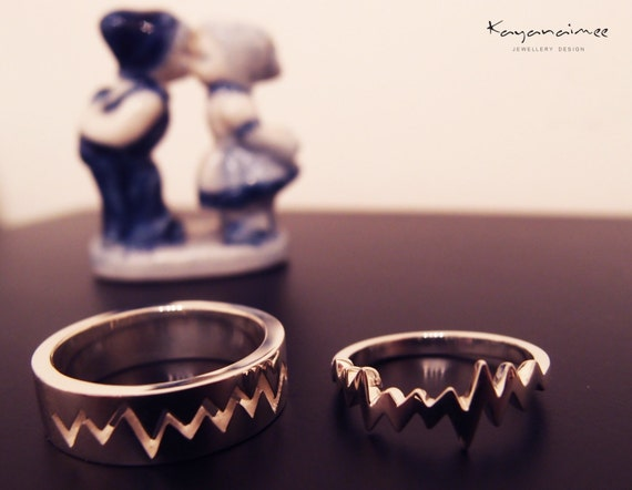 Items similar to Heart beat Couple Ring (All sizes are ...