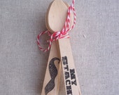 20 Mustache Mini Wooden Spoons Black   Party Cutlery