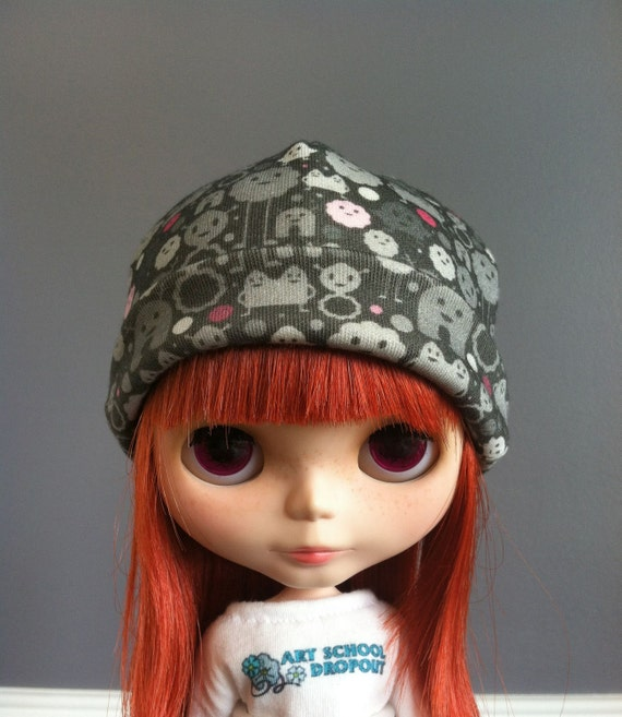 Blythe Beanie - Monsters on the Loose - Black, Gray and Pink