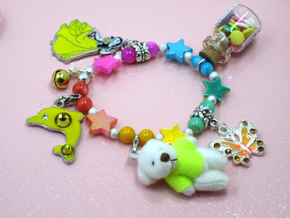 Items similar to Girl Childs Charm Bracelet Teddy Bear ...