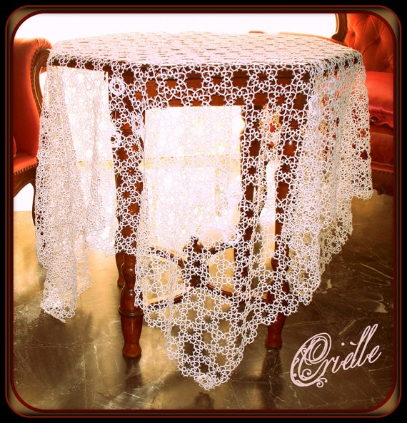 Fine and rare white tatting tablecloth - Bedspread - MADE TO ORDER