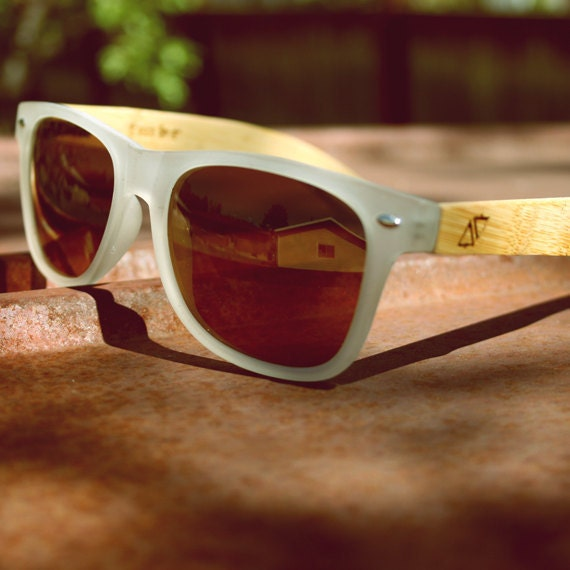 Unique Handmade Indie Vintage Retro Unisex Wayfarer Ray-Ban Style Clear Wood Wooden Sunglasses. Made with Bamboo