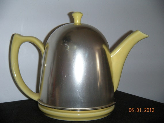 Vintage Hall Tea Pot  1940's  Lipton Cozy Teapot