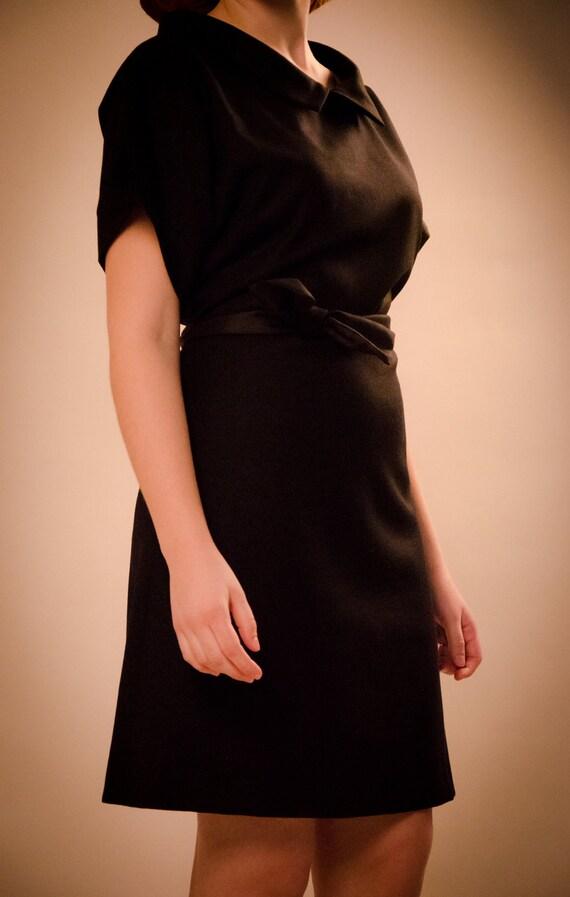 SALE Wrap raglan wool black dress with peter pan collar