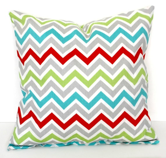Items similar to DECORATIVE PILLOW Cover - THROW Pillows - 18 x 18 inches - Chevron - Red Gray ...
