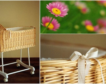 Baby Bassinet Fragilis hand woven from white willow