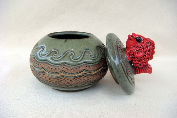 Pottery - Lidded Red Fish Bowl - 1209