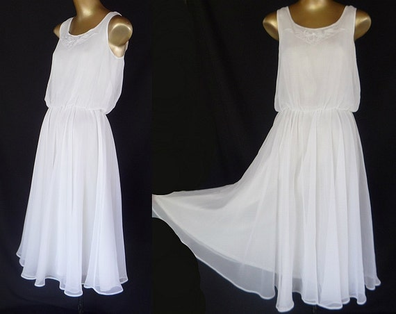 Vintage 70s Dress Sundress Wedding 1970s White Chiffon with Appliqued Bow - Sleeveless - Size XS to S