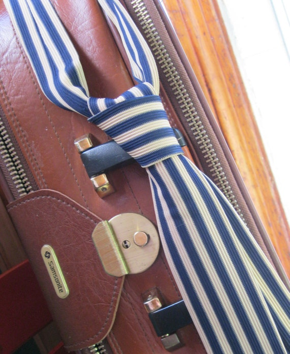 Skinny Tie: Blue and White Striped Flat End Vintage