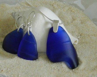 Colbolt Blue Glass Pendant Neckace and Earrings Set