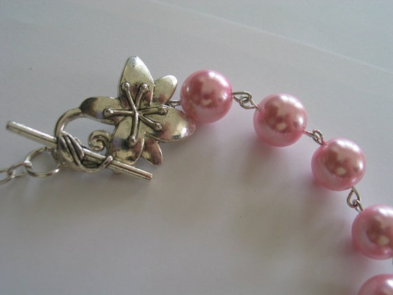 Floral clasp toggle light pink beaded necklace