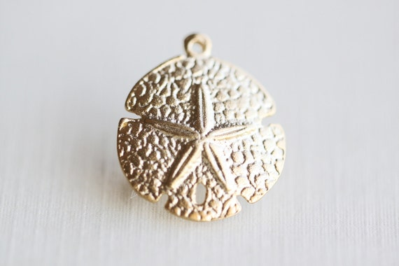 Vermeil Sand Dollar Charms 02 -18k gold over sterling silver, nautical round pendant, beach themed, 18mm