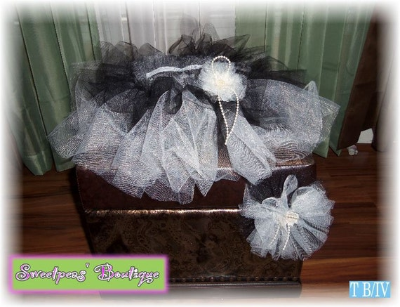 Brand New custom boutique made Infant head band tutu set Black and Ivory 2t - 3t