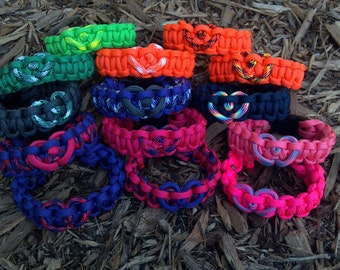 Love - Customizable Paracord Bracelet with Heart