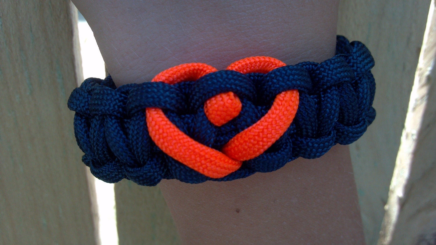 detroit tigers themed paracord bracelet with custom