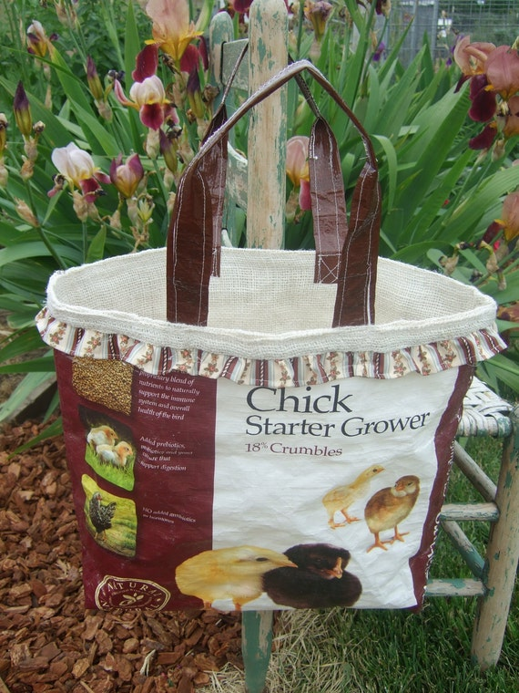 Chick Starter Feed Sack Market Tote  -brown-