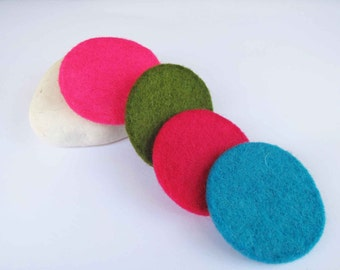 50% SALE - Wool filt round applique in pink, green, red and blue for chlothes, jewelry, christmas, children