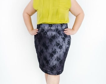 Plus Size Lace Skirt in Grey