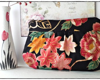 Pleated clutch gathered purse zip pouch black japanese kimono cotton chirimen