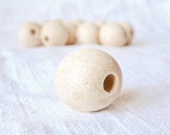 30 mm Wooden beads 50 pcs - big hole 10 mm - natural eco friendly r30mmbh