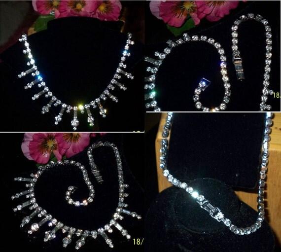 Beautiful Unique Design Rhinestone Necklace