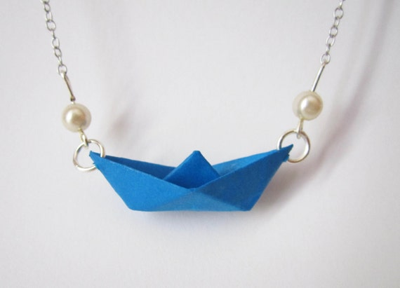Little boat necklace