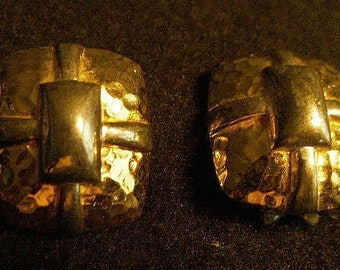 Vintage Liz Claiborne Wrapped Like a Present Yellow Gold Hammered Metal Clip Earrings