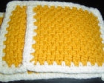 Hand Crafted Pot Holder Set - Gold And White