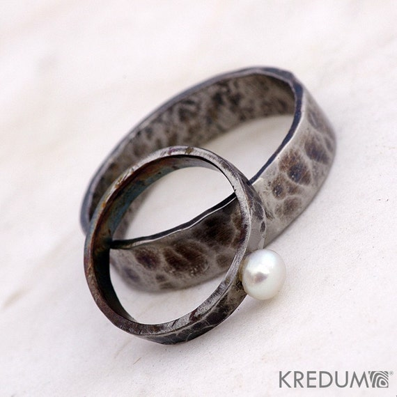 Steel Engagement or Wedding Ring, Women ring - Hand forged stainless steel ring - Draill with pearl