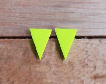 Triangle Studs - Neon Yellow