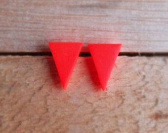 Triangle Studs - Neon Red