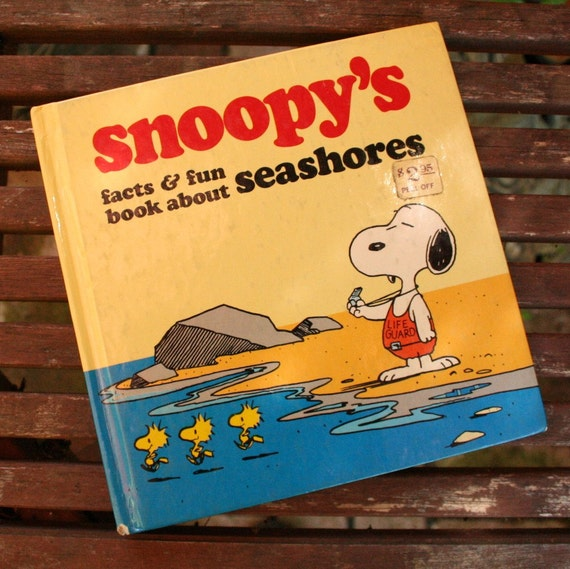 Snoopy's Facts & Fun Book About Seashores children's hardback book 1980