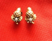 vintage1950s gold effect acorn earrings with pearls there beautiful