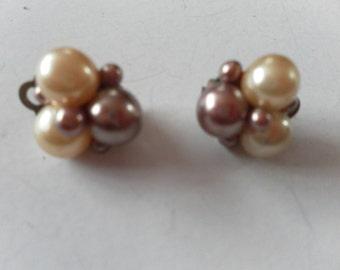 lovely vintage pearl clip on earrings