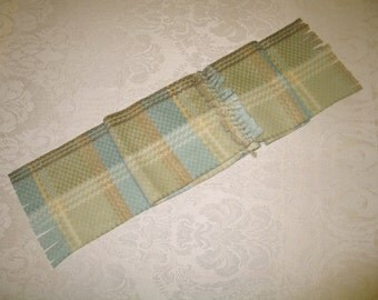Blue/tan no-sew scarf