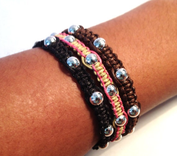 Two-toned Beaded Macrame Bracelet
