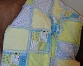 So sweet blue and green Giraffe Rag Quilt - READY TO SHIP - Baby Blanket - Crib Blanket