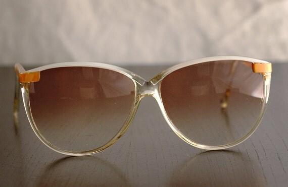 Vintage Polaroid White / Ochre Frame Sunglasses, Tortoise Frame, Gradient Density Lenses 8532B