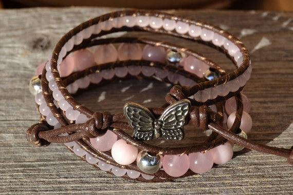 Pink wrap bracelet - Glass and metal beads on brown leather