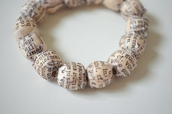 Newspaper Beads Bracelet