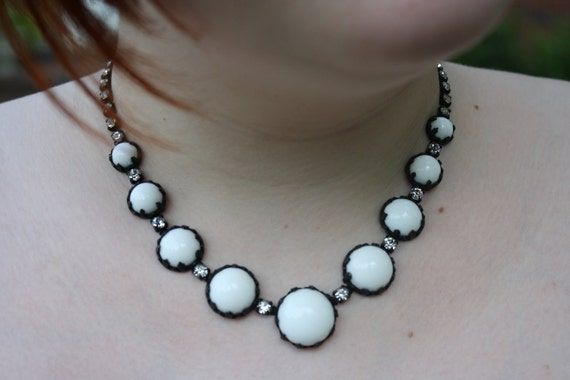 Vintage Black and White Circle Milk Glass Choker Necklace with Rhinestones