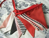 Double fabric banner in black, white and red with stripes and polka dots on a festival of colors - 4,40''  yards (Made to order)