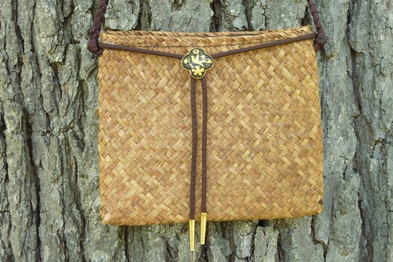 Vintage Palm Straw Small Shoulder Bag With Damascene Bolo Tie Accent